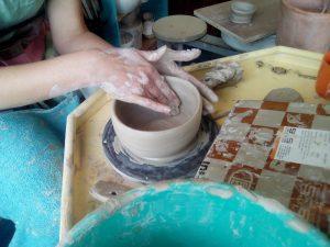 Pottenbakken klei keramiek cursus workshop lelystad flevoland inspiratie boetseren