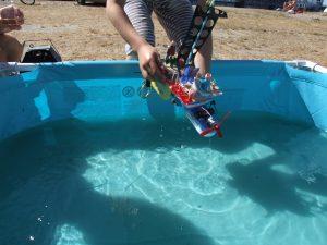 kinderactiviteit techniek uitvinden met bootjes creatief springkussen vallen en opstaan inhuren