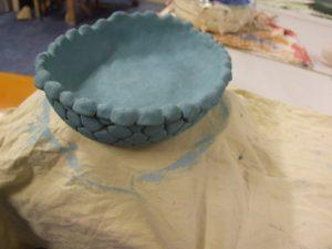 Grote schalen workshop pottenbakken keramiek boetseren zussendag